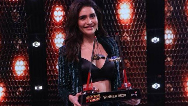 Khatron Ke Khiladi 10: Fans Congratulate Karishma Tanna For Winning The Trophy & Creating History