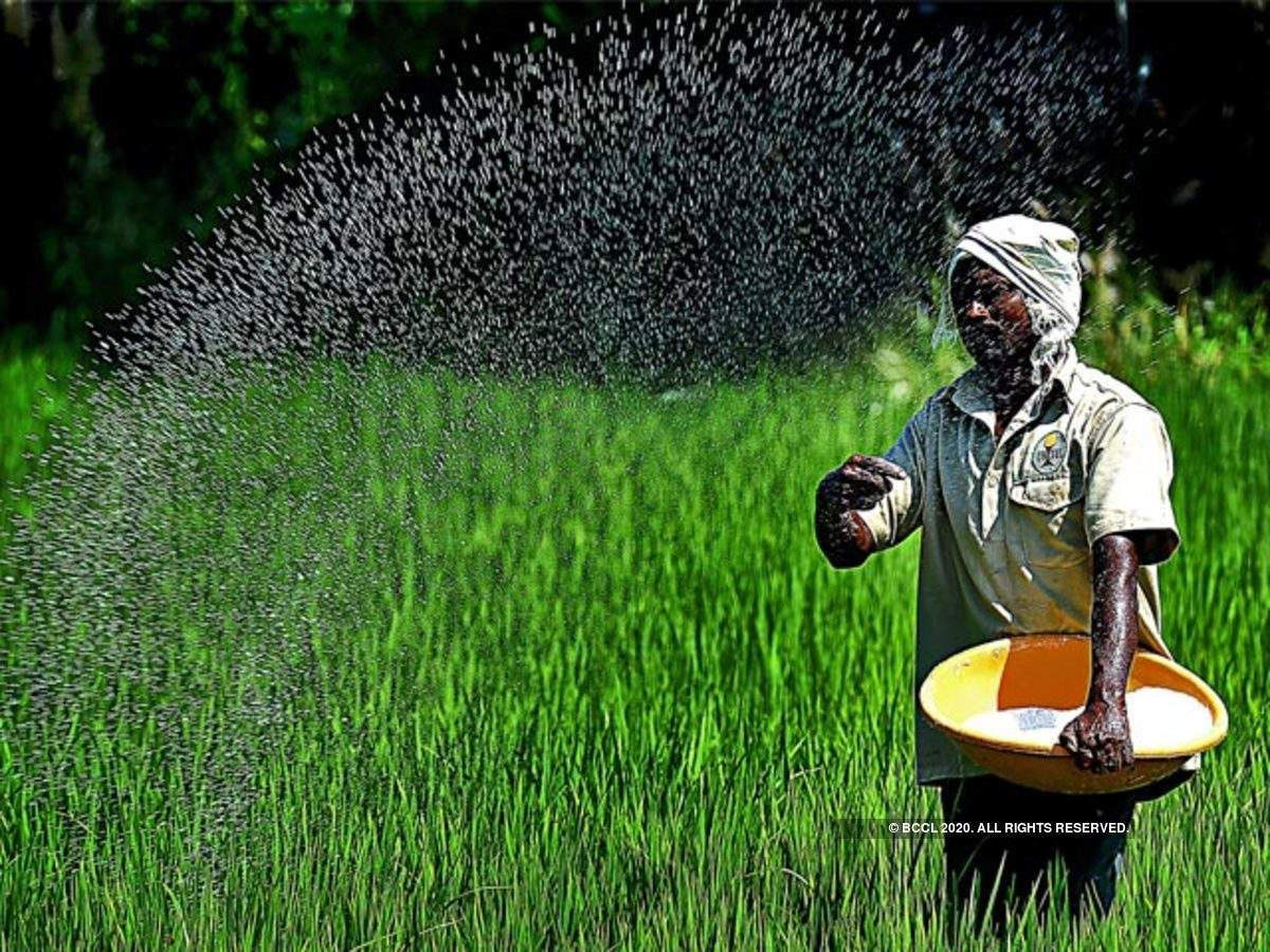 Core sector contraction further slows in June, only fertiliser sector shows growth