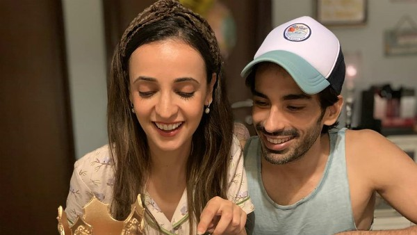 Mohit Sehgal Pens An Adorable Note For Wife Sanaya Irani On Her Birthday, Shares Celebration Pics!