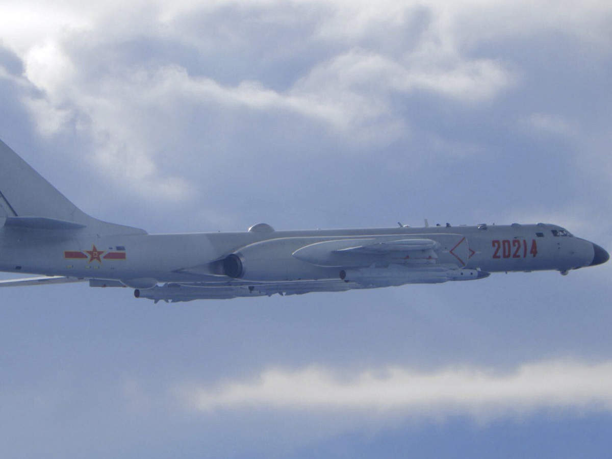 Taiwan scrambles jets as 18 Chinese planes buzz during a senior US official  visit