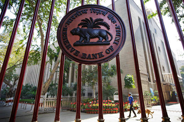 India's central bank is stuck in a halfway house