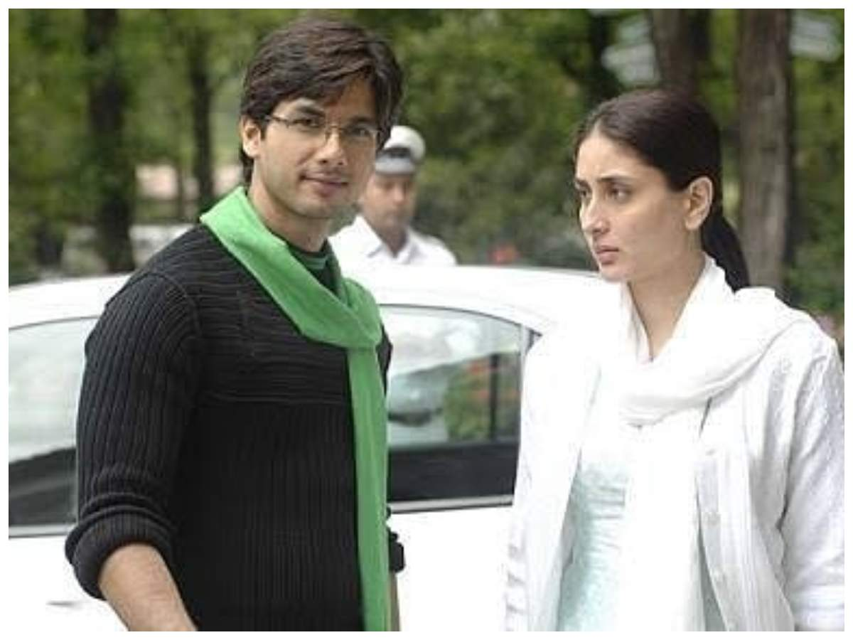 Kareena-Shahid's throwback pics from 'JWM'