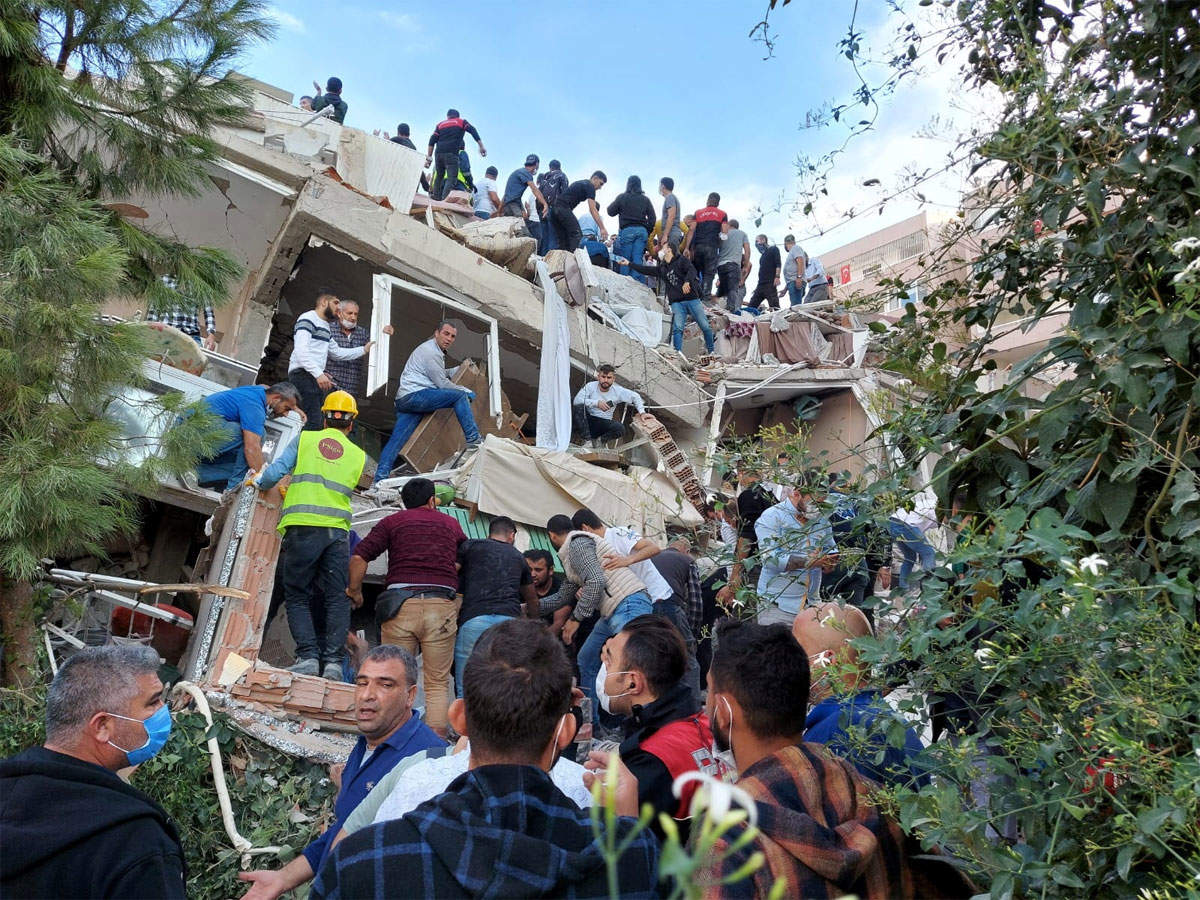Buildings collapse as strong quake hits Greece and Turkey