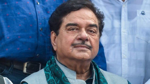 Shatrughan Sinha Reacts To Fear Of OTT Censorship; Says Superficial Mindsets Kill Art