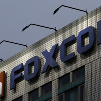 Foxconn to shift few Apple production to Vietnam to minimise China risk
