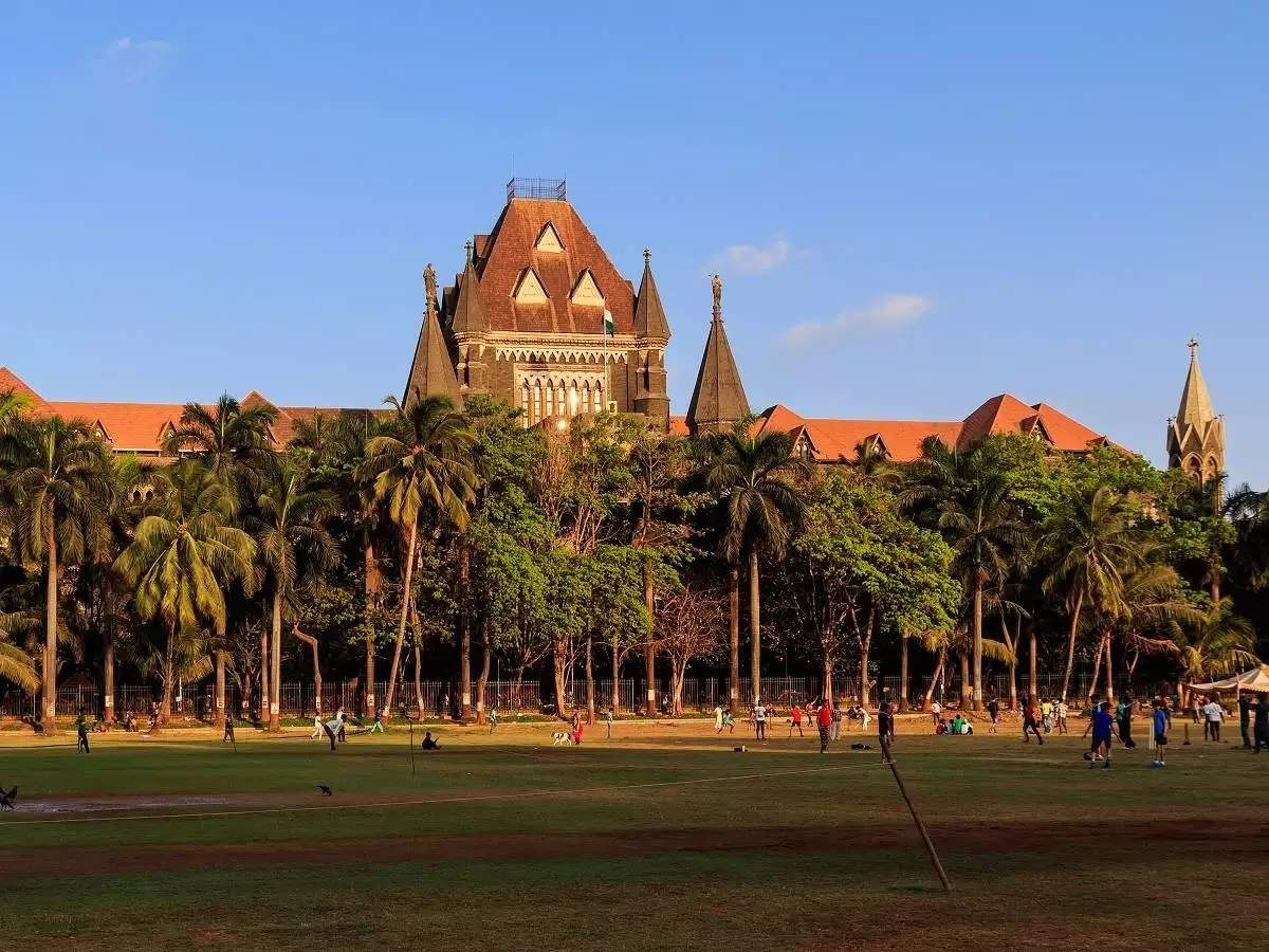 Lawyers write to Maharashtra Chief Justice about High Court's physical hearing decision