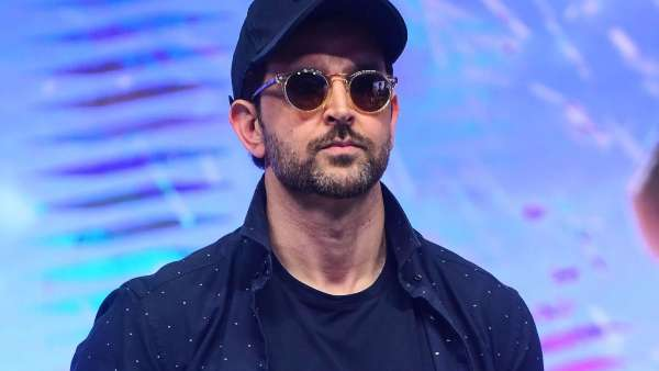 Hrithik Roshan Likely To Be Summoned By Crime Branch In Imposter Email Case With Kangana Ranaut
