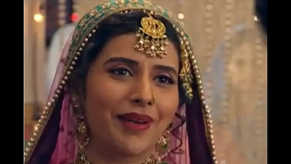 Charu Asopa Enters Kyun Utthe Dil Chhod Aaye As Zorba Bai, Will Cause Havoc In Amrit And Randheer's Lives
