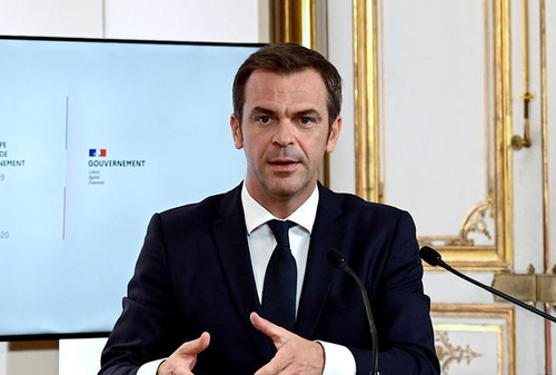 French Health Minister Mulls Banning Vaccine Exports