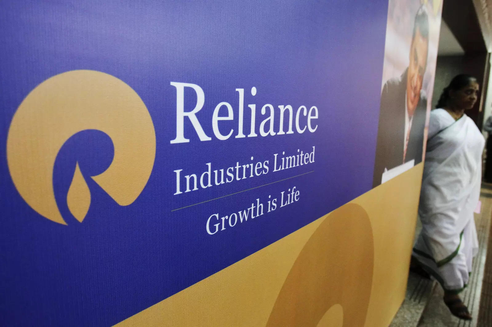 Buy Reliance Industries, target price Rs 2285:  Motilal Oswal